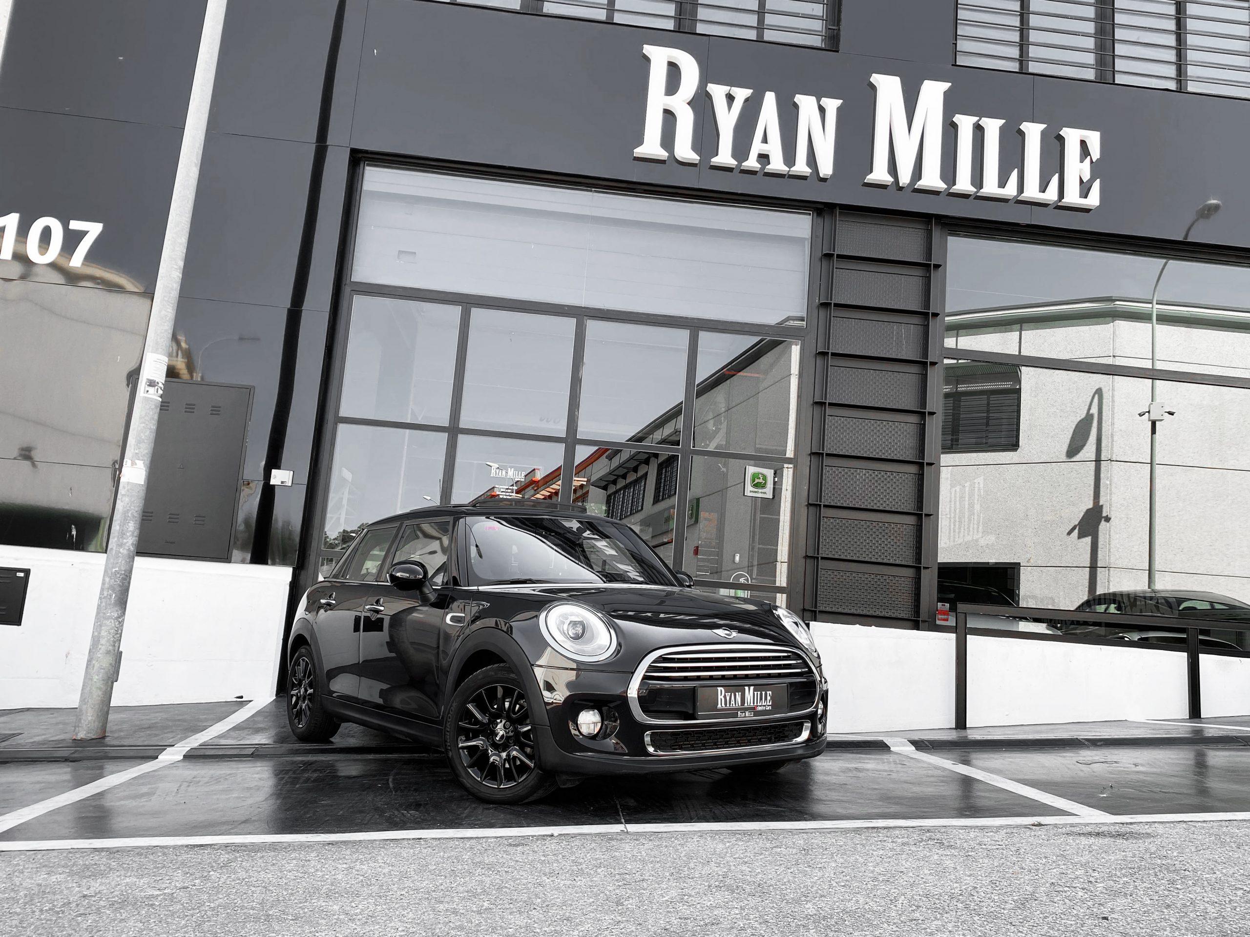 Mini Cooper Auto.